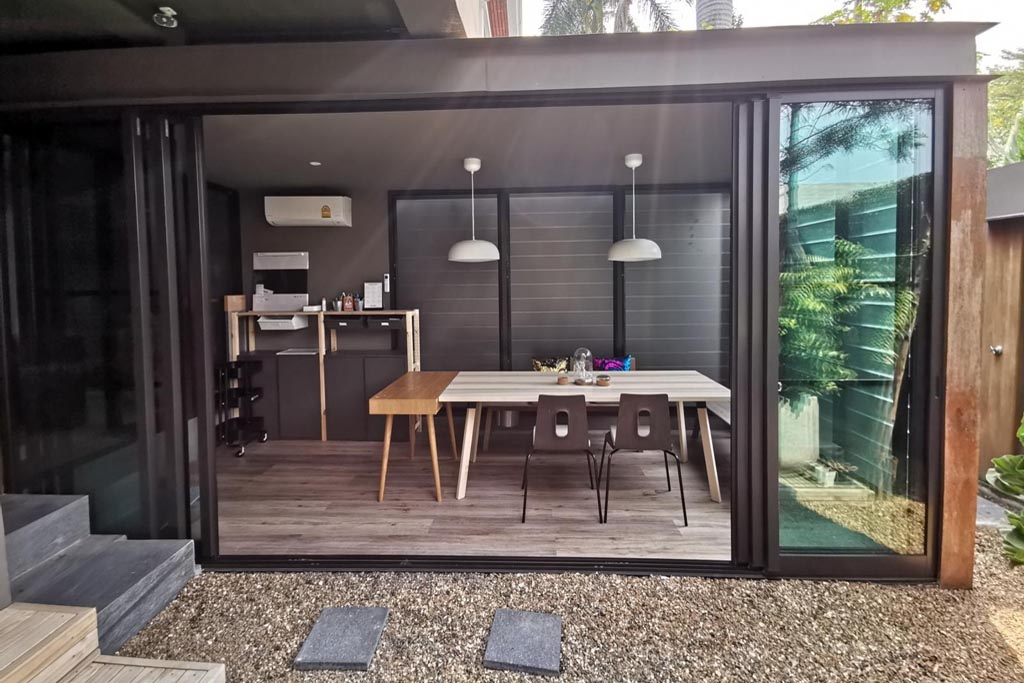 Outdoor-perspective-of-sitting-room-addition-with-Breezway-Louvres
