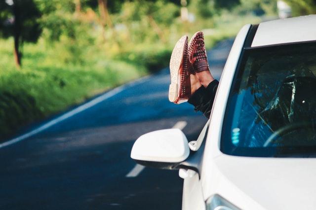 spokojnosť na cestách v aute